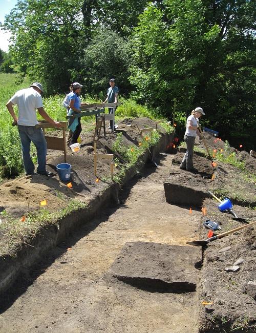ASI crews during block excavation of the Joseph Picard site in 2011.