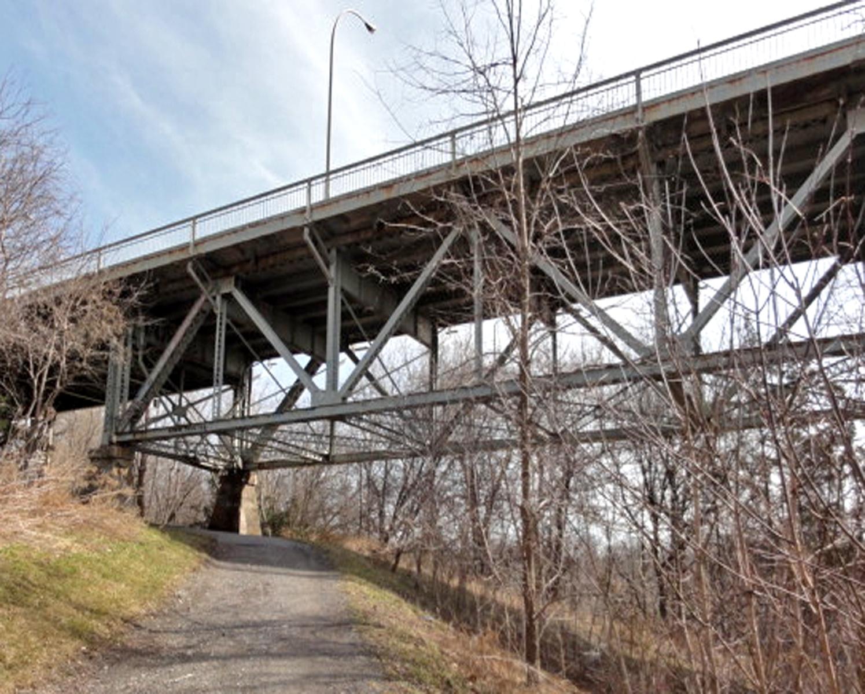 The Burgoyne Bridge today.